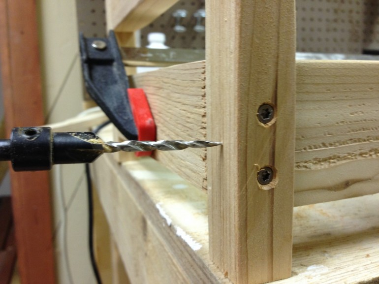 Add perpendicular screws